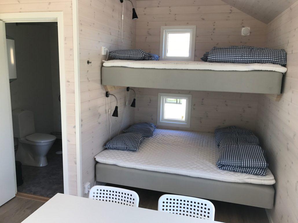 Sängar Campingstuga Strandcampingen